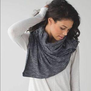 LULULEMON heathered grey vinyasa scarf